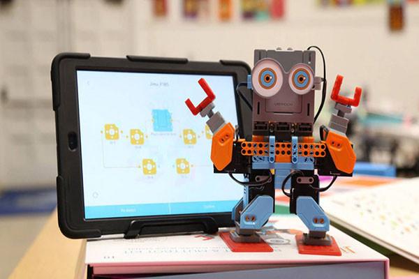 Electronics & Tech Toys